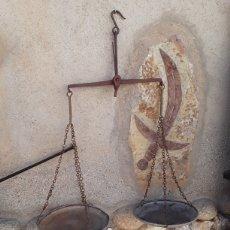 Antigüedades: BALANZA ANTIGUA .DEL SIGLO PASADO .. Lote 112274111