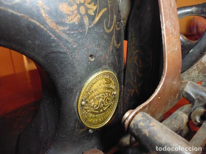 MAQUINA DE COSER RESTAURADA LA MARQUETERÍA Y BIEN CONSERVADA LA MAQUINARÍA (Antigüedades - Técnicas - Máquinas de Coser Antiguas - Frister & Rossmann)