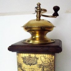 Antigüedades: GRAN MOLINILLO DE CAFÉ DE ESTILO ITALIANO Y PROCEDENCIA ALEMANA. CA. 1950/1960.. Lote 112397363