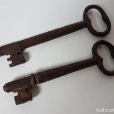 Antigüedades: LOTE DE 2 LLAVES DE HIERRO FORJADO. Lote 112447643