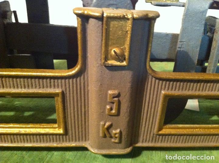 Antigüedades: BALANZA DE COMESTIBLES CON FUERZA 5 KG DE PRINCIPIOS DEL XX (BG 01) - Foto 2 - 112670711