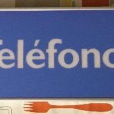 Teléfonos: EXCELENTE Y AUTÉNTICO ANTIGUO CARTEL CABINA DE TELÉFONO PÚBLICO TELEFÓNICA, CON MARCO DE ALUMINIO. Lote 112681467