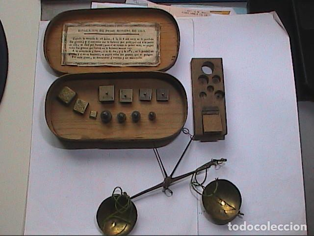 EXCELENTE LOTE DE BALANZA CON 11 PONDERALES. S. XVIII. BARCELONA. (Antigüedades - Técnicas - Medidas de Peso - Balanzas Antiguas)