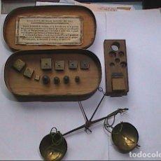 Antigüedades: EXCELENTE LOTE DE BALANZA CON 11 PONDERALES. S. XVIII. BARCELONA.. Lote 112710639