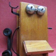 Teléfonos: ANTIGUO TELEFONO DE PARED DE GRAN TAMAÑO DE ORIGEN INGLÉS, MEDIADOS DEL SIGLO XX.. Lote 112719871