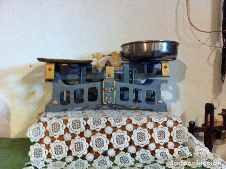 Antigüedades: PEQUEÑA Y BONITA BALANZA CON FUERZA 3 KG DE PRINCIPIOS DE S. XX (BG 08) - Foto 5 - 112728707