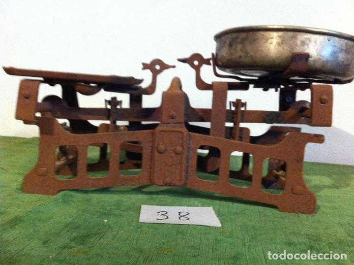Antigüedades: PEQUEÑA Y BONITA BALANZA CON FUERZA 3 KG DE PRINCIPIOS DE S. XX (BG 08) - Foto 6 - 112728707