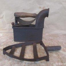 Antigüedades: PLANCHA ANTIGUA PARA BRASAS. CON PLANCHERO Y REJILLA. Lote 113071075