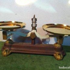 Antigüedades: UNA JOYA DE BALANZA FUERZA DE 10 KG CON DOS PATOS DE BRONCE (B134). Lote 113086255
