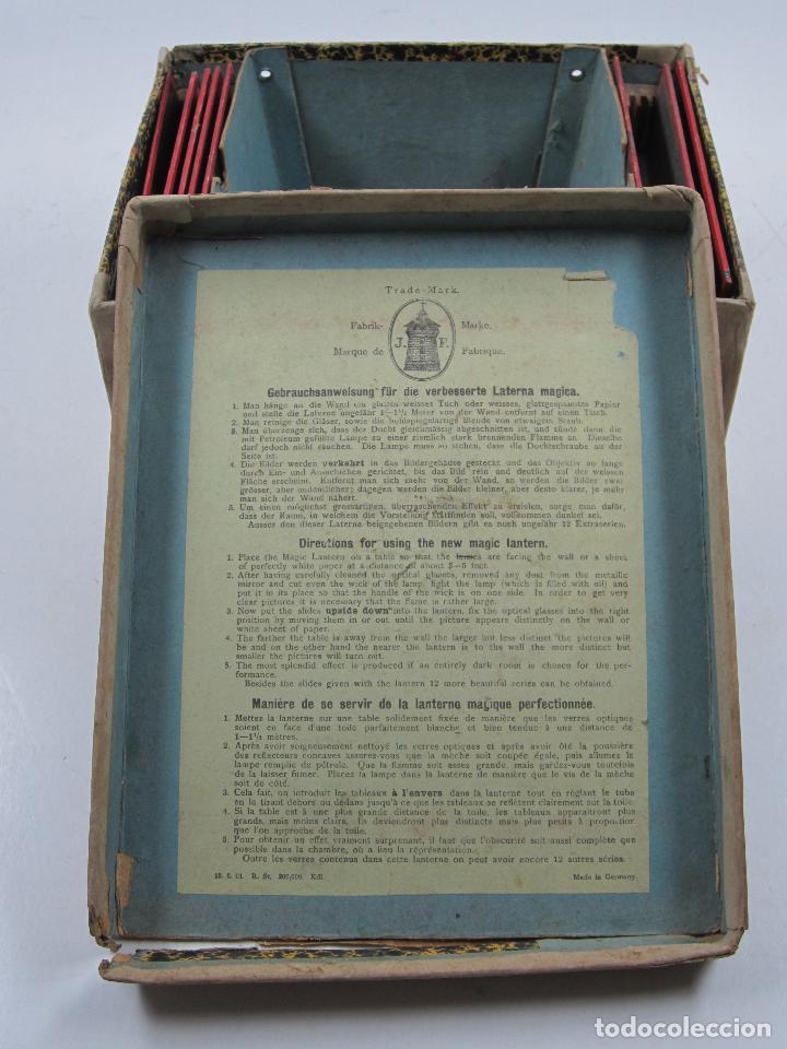Antigüedades: caja y cristales de Linterna mágica, finales del siglo XIX principios del XX. 24,5x20x11cm - Foto 2 - 113156987