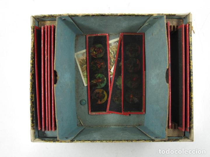 Antigüedades: caja y cristales de Linterna mágica, finales del siglo XIX principios del XX. 24,5x20x11cm - Foto 5 - 113156987