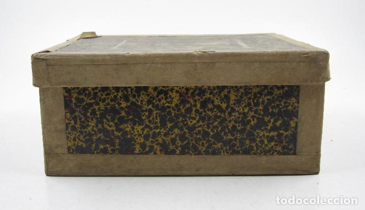 Antigüedades: caja y cristales de Linterna mágica, finales del siglo XIX principios del XX. 24,5x20x11cm - Foto 7 - 113156987
