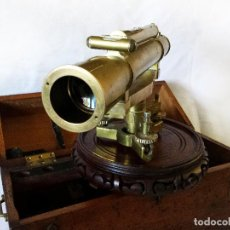 Antigüedades: TEODOLITO DE BRONCE W.F. STANLEY 40CM X 20CM. Lote 113198291