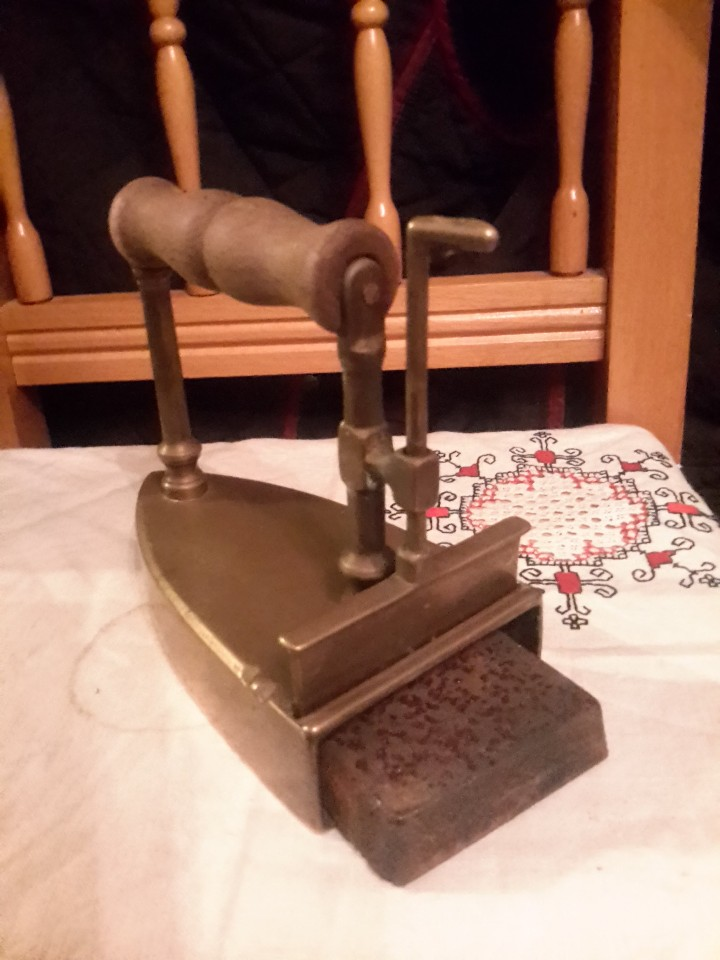 Antigüedades: Antigua plancha de bronce - Foto 2 - 240036305