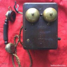 Teléfonos: MUY ANTIGUO TELÉFONO DE MADERA DE ORIGEN BELGA, CON MANIVELA O MAGNETO.. Lote 113250727