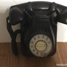 Teléfonos: TELÉFONO ANTIGUO DE BAQUELITA Y DISCO DE MARCACIÓN, DE STANDARD ELÉCTRICA PARA LA CTNE. . Lote 113256067
