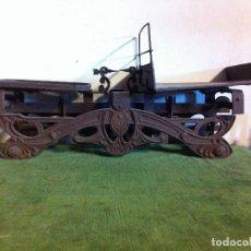 Antigüedades: POTENTE BALANZA BASCULA DE PAQUETERIA FUERZA 20 KG (B162). Lote 113345003