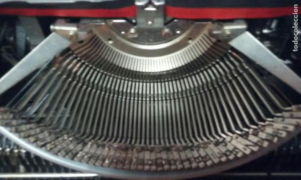 Antigüedades: Antigua maquina de escribir Triumph Contessa de Luxe Años 70. - Foto 6 - 113410527