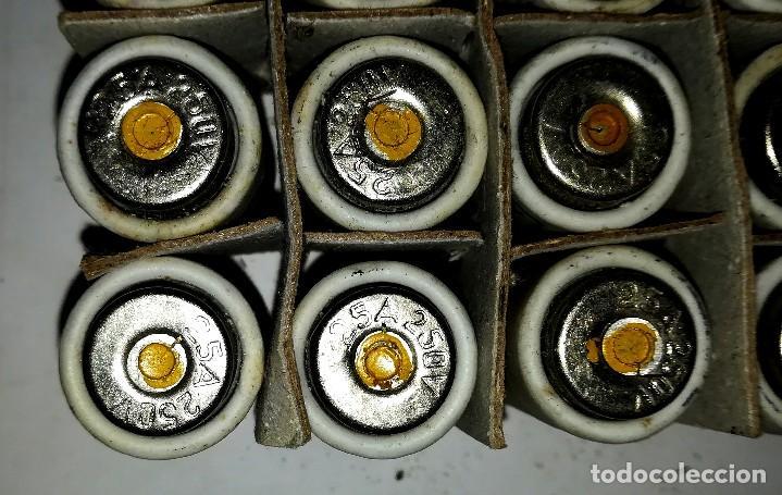 Antigüedades: 19 ANTIGUOS FUSIBLE CERAMICO GECO 250V 25A sin usar en su caja - Foto 5 - 113415379
