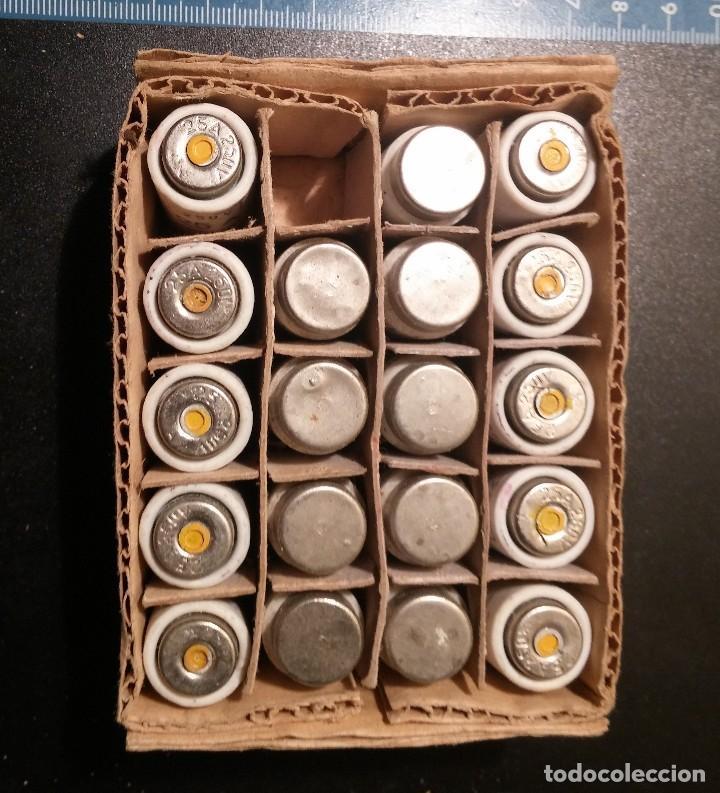 Antigüedades: 19 ANTIGUOS FUSIBLE CERAMICO GECO 250V 25A sin usar en su caja - Foto 8 - 113415379