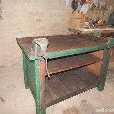 Antigüedades: MESA DE BANCO DE MADERA DE OLMO XIX COMPLETA . Lote 113440911