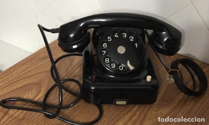 ANTIGUO TELÉFONO DE BAQUELITA AUSTRIACO, TIPO CENTRALITA, EN PERFECTO ESTADO DE CONSERVACIÓN. (Antigüedades - Técnicas - Teléfonos Antiguos)