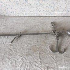 Antigüedades: PRECIOSA BALANZA ROMANA W&T AVERY DE HASTA 300 LB. Lote 113478123