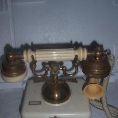 Teléfonos: TELEFONO ANTIGUO DE LOS AÑOS 60. Lote 113636951