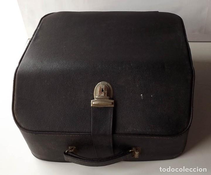 Antigüedades: Máquina de escribir Erika con maletin - Foto 3 - 55235117