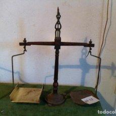 Antigüedades: PRECIOSA BALANZA POSTAL ALEMANA DE MITAD S.XX HIERRO Y PLATO DE BRONCE 0'5 KG (BQ 27). Lote 113673763
