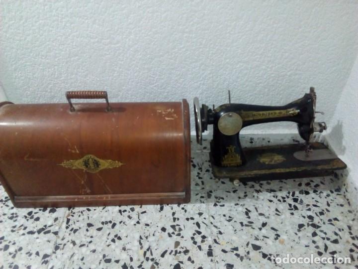 PRECIOSA MAQUINA DE COSER ANTIGUA (Antigüedades - Técnicas - Máquinas de Coser Antiguas - Singer)