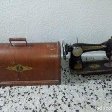 Antigüedades: PRECIOSA MAQUINA DE COSER ANTIGUA . Lote 145132185