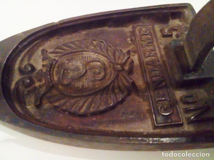 Antigüedades: MUY BONITA PLANCHA CON SOPORTE DE ALUMINIO - Foto 4 - 113860227