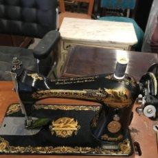 Antigüedades: PRECIOSA MAQUINA COSER SINGER COMO NUEVA. Lote 114165107