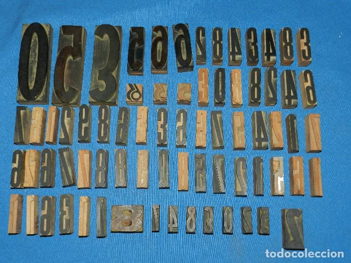 Antigüedades: (M) LOTE DE 72 LETRAS NUMEROS TIPOGRAFICOS ANTIGUAS DE MADERA , DIFERENTES MEDIDAS - Foto 2 - 114424523