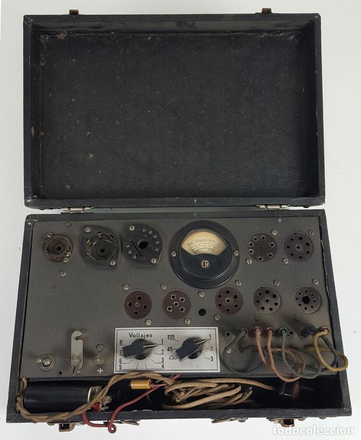 COMPROBADOR DE VÁLVULAS ER (ERATELE? ). ESCUELA DE RADIO MAYMO. CIRCA 1940. (Antigüedades - Técnicas - Herramientas Profesionales - Electricidad)