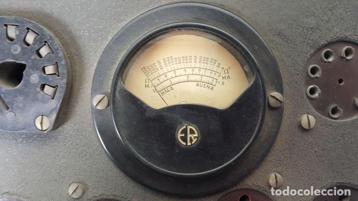 Antigüedades: COMPROBADOR DE VÁLVULAS ER (ERATELE? ). ESCUELA DE RADIO MAYMO. CIRCA 1940. - Foto 3 - 114429795