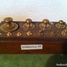 Antigüedades: BONITO JUEGO DE 11 ANTIGUAS PESAS DE BRONCE DESDE 1G A 200G (J14). Lote 114440159