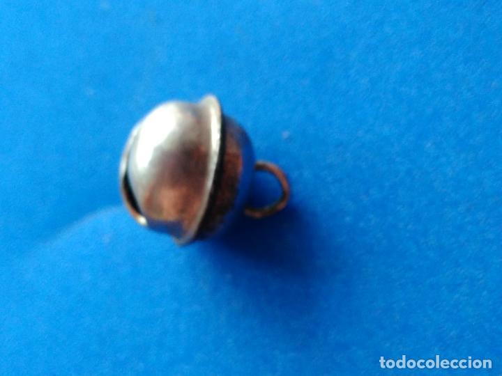 Antigüedades: Antiguo y pequeño cascabel. Metal. - Foto 2 - 114496475