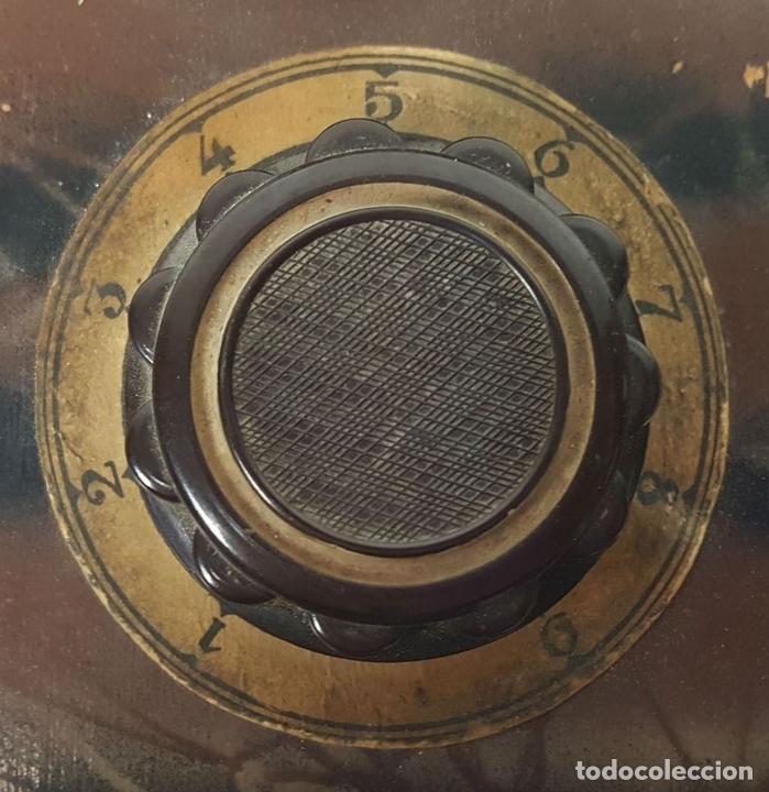 Antigüedades: VOLTIMETRO. CAJA DE METAL Y MADERA MARMOLIZADA. CIRCA 1950. - Foto 2 - 114537671