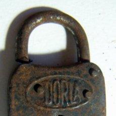 Antigüedades: VIEJO CANDADO DORLA. Lote 114804551