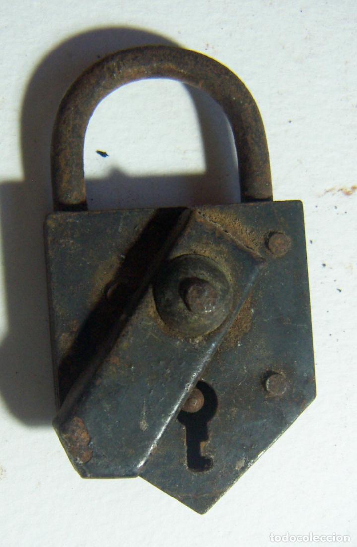 VIEJO CANDADO (Antigüedades - Técnicas - Cerrajería y Forja - Candados Antiguos)