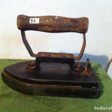 Antigüedades: PESADA PLANCHA ELECTRICA DE LOS AÑOS 30 (PEL30). Lote 114896543