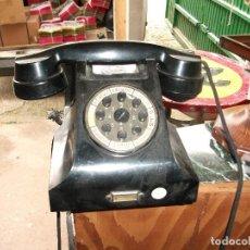 Teléfonos: TELÉFONO NEGRO DE BAQUELITA ERICSON NÚMEROS BOTÓN CARCASA PEGADA- VER FOTOS . Lote 114940955