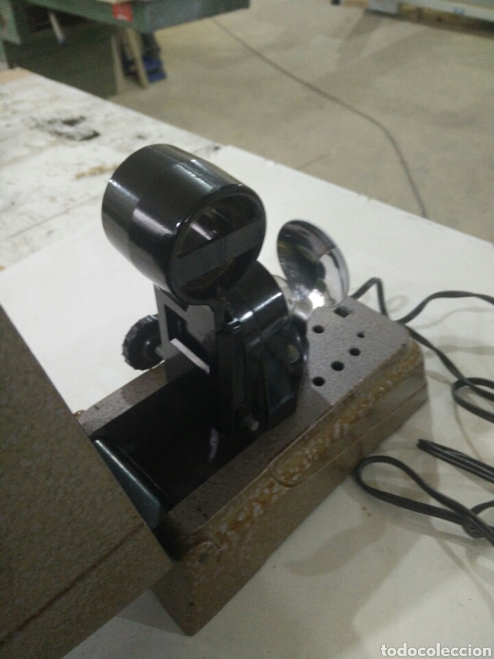 Antigüedades: Antiguo proyector manual - Foto 2 - 114999736