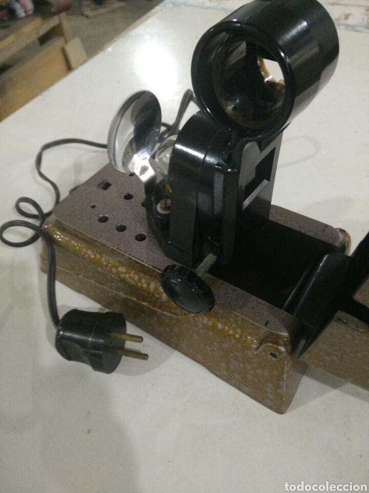 Antigüedades: Antiguo proyector manual - Foto 3 - 114999736
