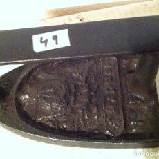 Antigüedades: MUY ANTIGUA PLANCHA DE HIERRO MACIZA Nº 3 MARCA C.A. (PMA49). Lote 115041487