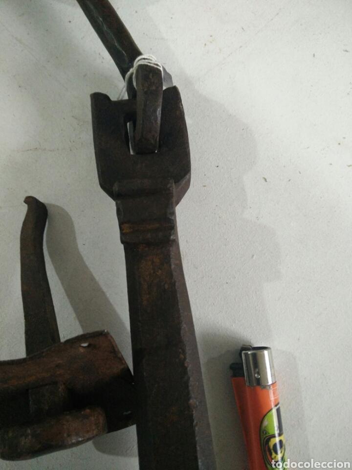 Antigüedades: Antiguo llamador de forja - Foto 4 - 115111162