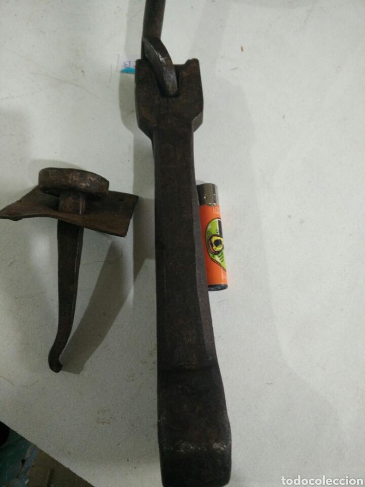 Antigüedades: Antiguo llamador de forja - Foto 5 - 115111162