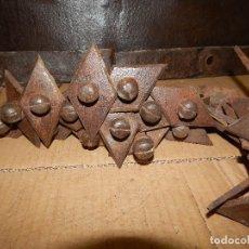 Antigüedades: 24 CLAVOS DE HIERRO FORJADO DEL XVIII. Lote 115306783